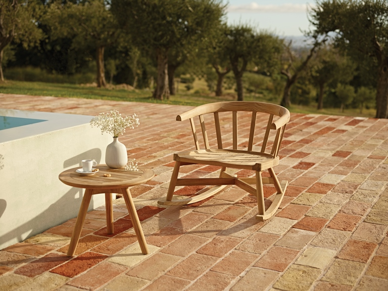 Outdoor Furniture by Gloster  Windsor Collection from Gloster. Creating a Private Paradise  Designer Outdoor Furniture